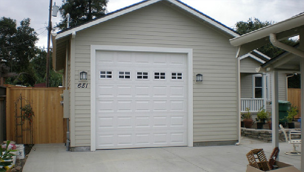 Extterior Detached Garage Painti